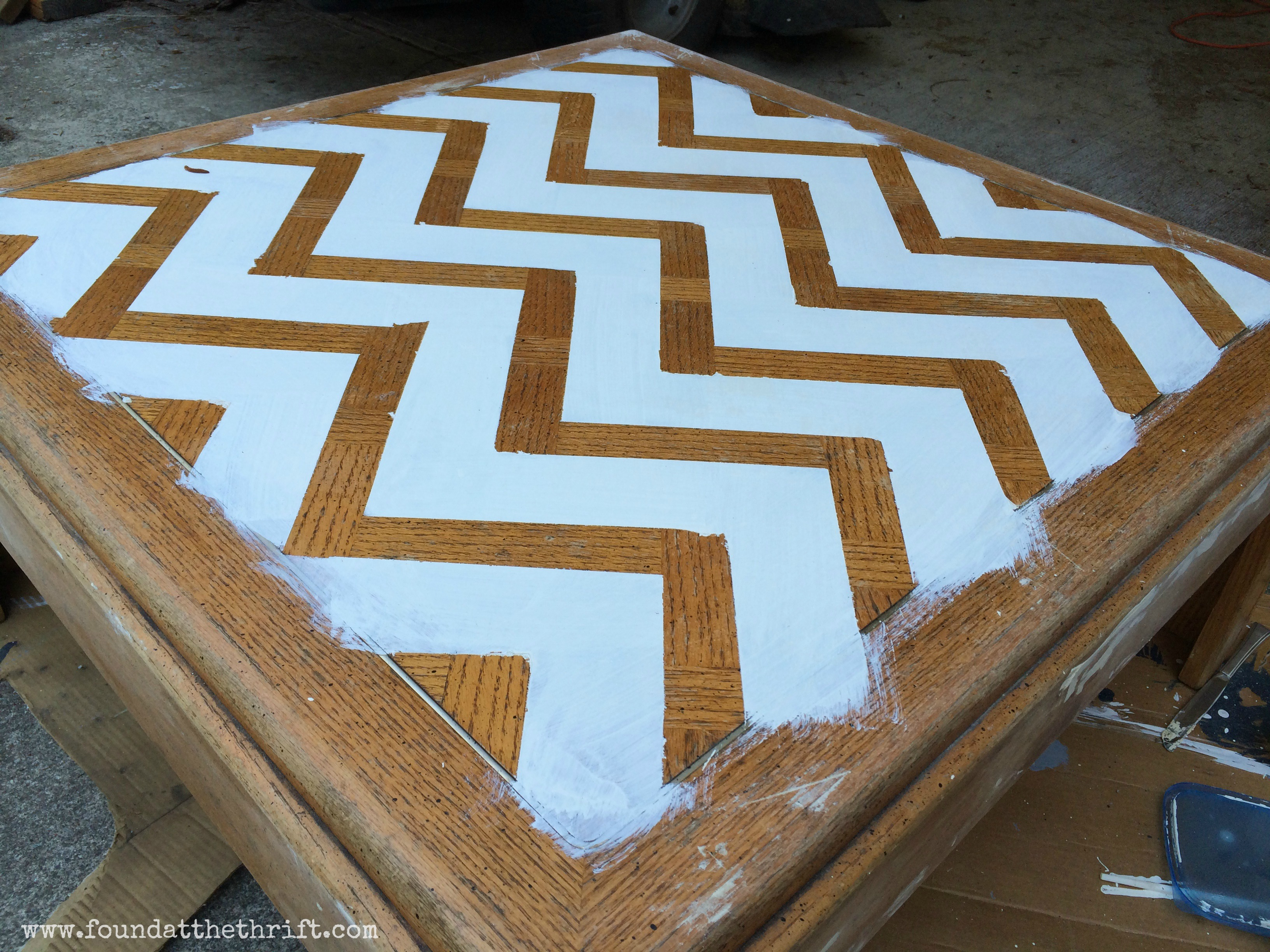 Diy furniture found at the thrift chalk paint upcycled coffee table diy geotapseo Images